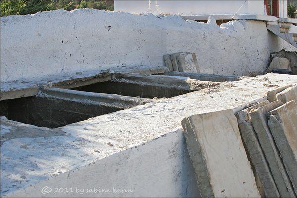. . . begraben auf crete [10] . . . zu guter letzt [8] . . .