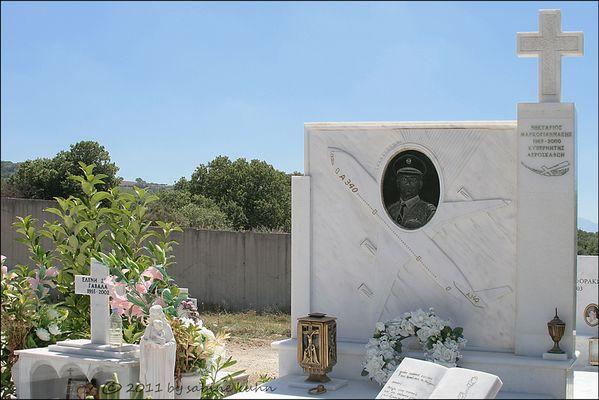 . . . begraben auf kreta [7] . . . geliebt im leben – a 340 . . .