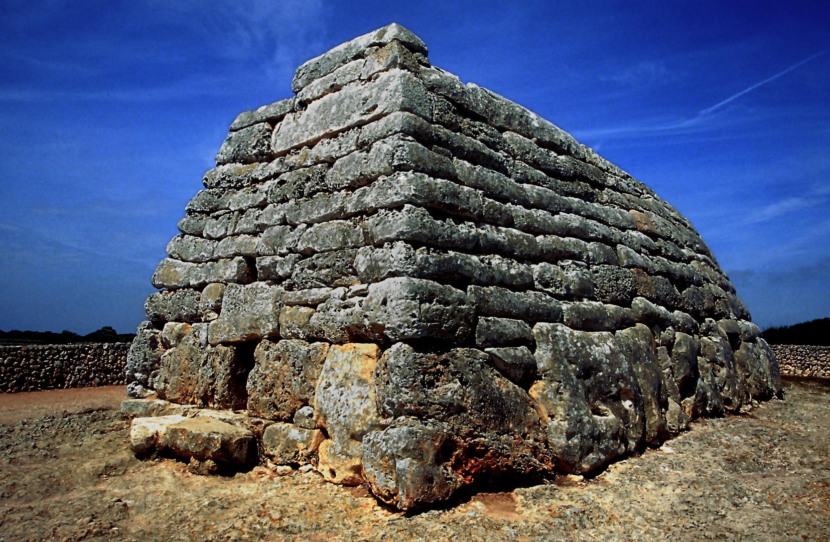 Begräbnisstätte Naveta des Tudons auf Menorca