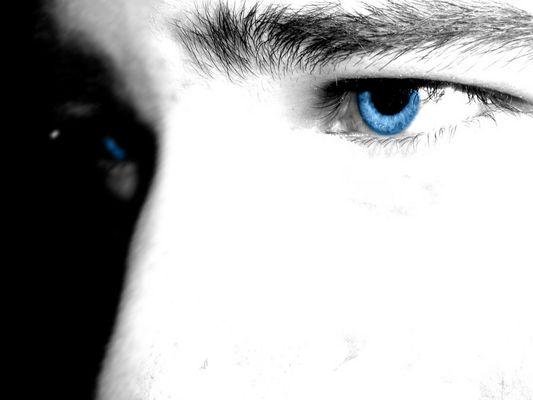 Bei blauen Augen könnt ich dahinschmelzen! :-)