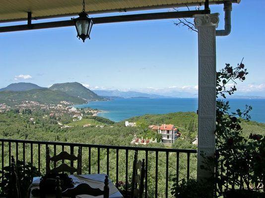 """bei Moraitika (Korfu), Blick von der Taverne """"75 Steps"""""""