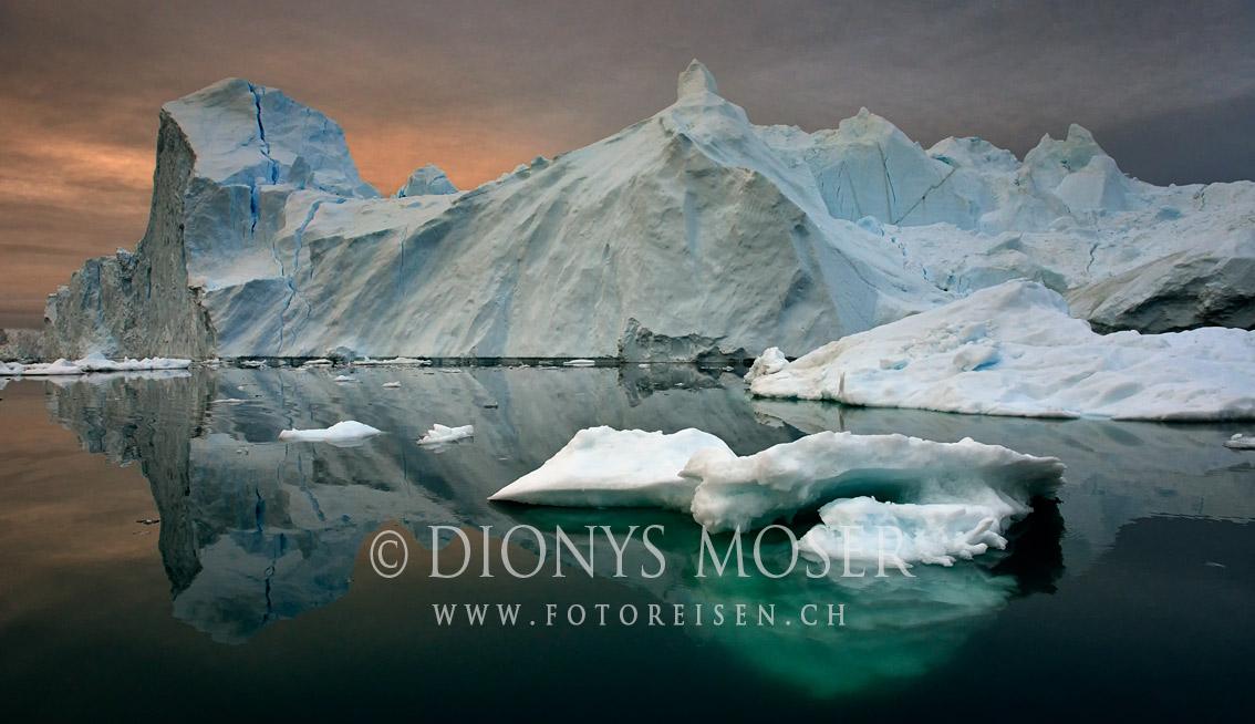 Bei Nachtlicht im Eis