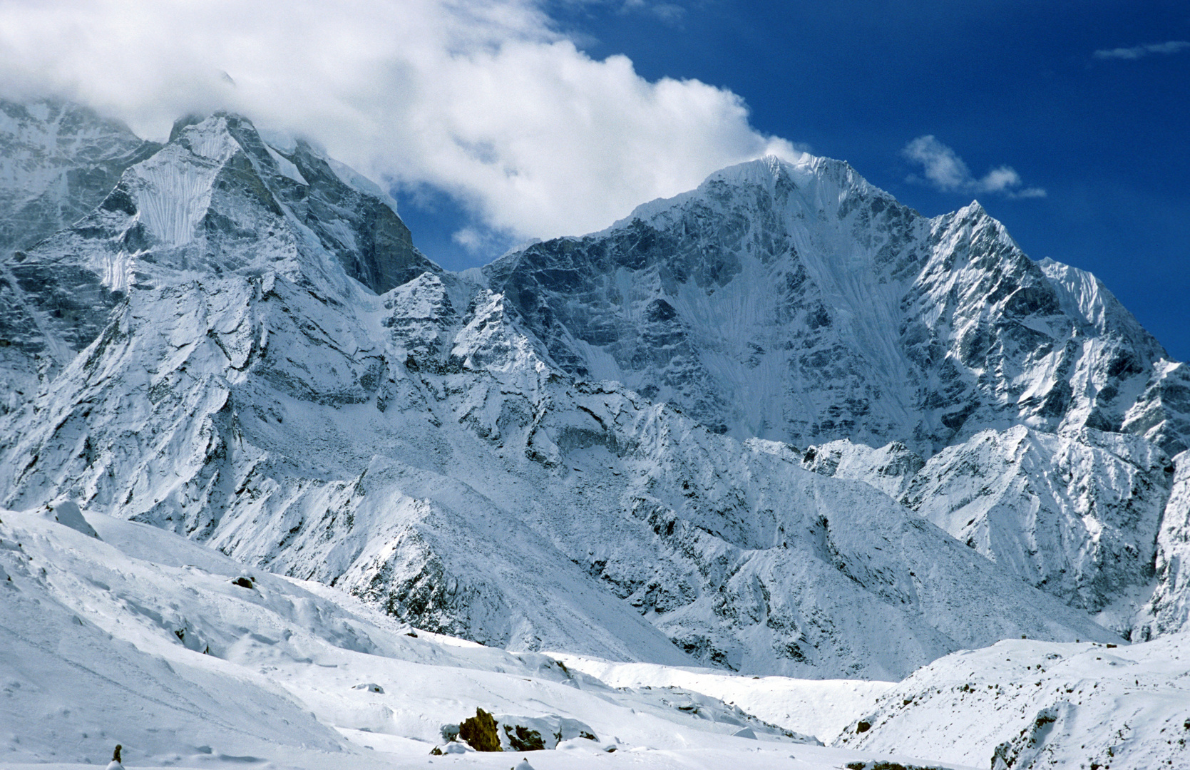 Bei Pheriche (4240m) nach extremen Schneefällen