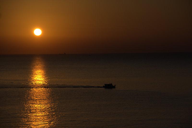 bei Sonnenaufgang