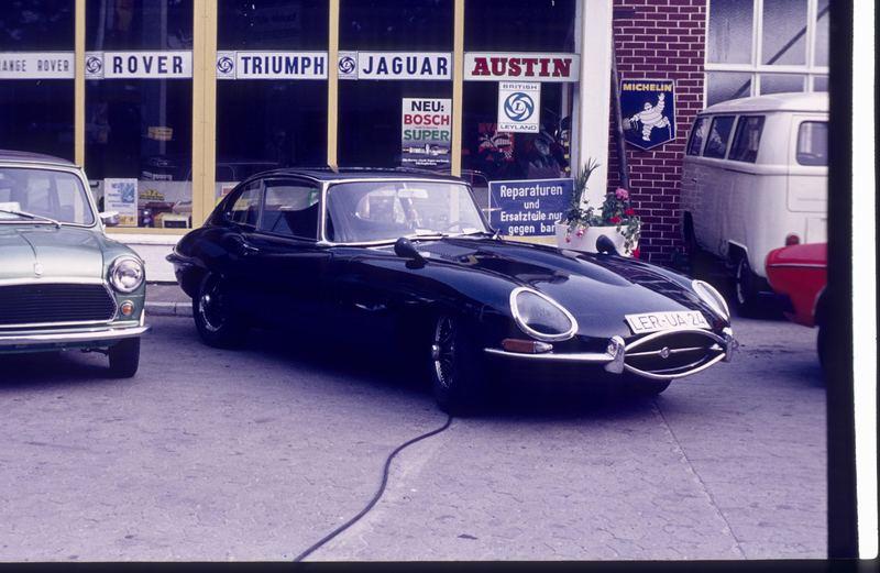Beim Autohändler vor 30 Jahren......