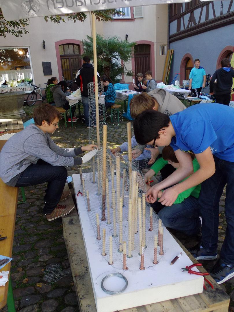 Beim Bau des Freiburger Münsters