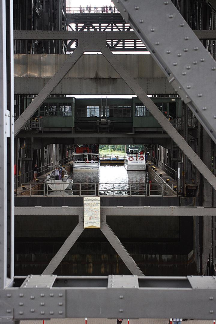 Beim Schiffshebewerk Niederfinow