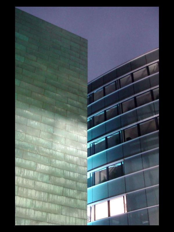 Beleuchtete Gebäude Medienhafen Düsseldorf