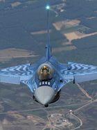 Belgische F16 folgt unserer Fotoplattform