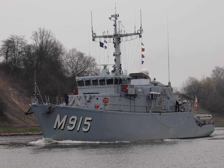Belgischer Minenjäger ASTER M 915 auf dem Nord-Ostsee-Kanal