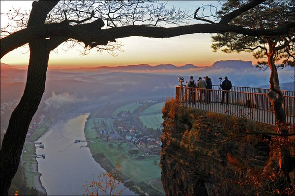 Beliebter Fotografentreff: Aussichtspunkt oberhalb der Basteibrücke