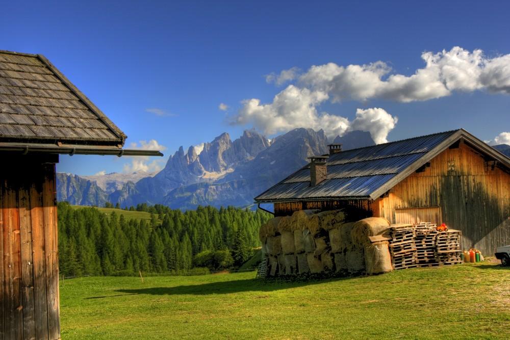 Bellissime malghe foto immagini paesaggi montagna for Foto bellissime