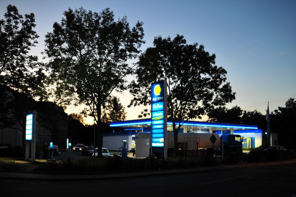 Benzin für die Tankstelle