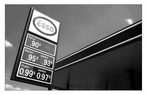 Benzinpreise zu DM-Zeiten (Ende Mai 1986).