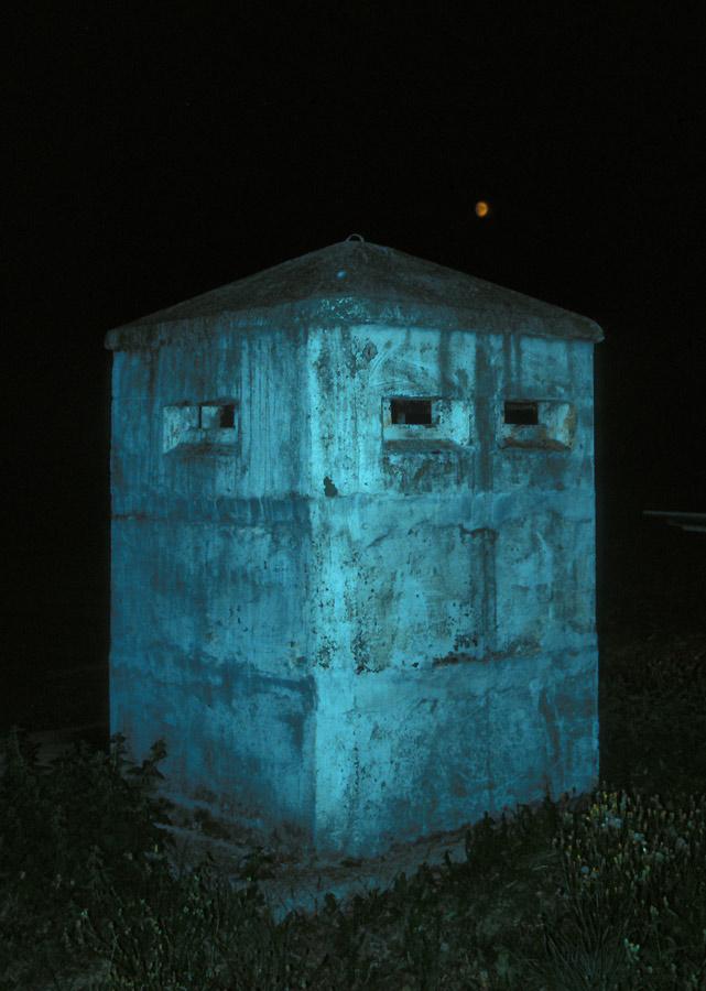 Beobachtungsbunker in der Nacht