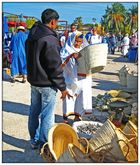 Berberfrau erhält einen Korb...