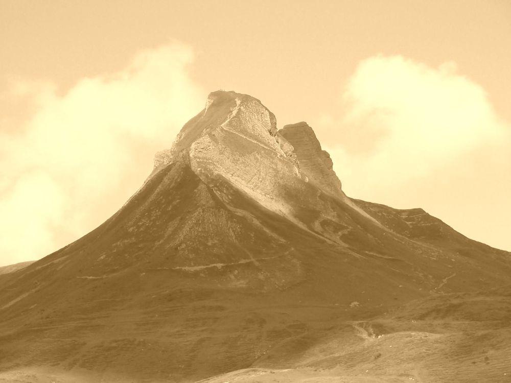 Berg mit Schatten. Oder Schatten mit Berg?