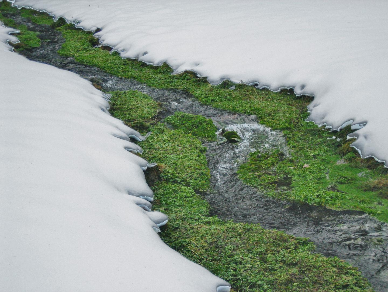 Berg Quellwasser * Winter Energie pur