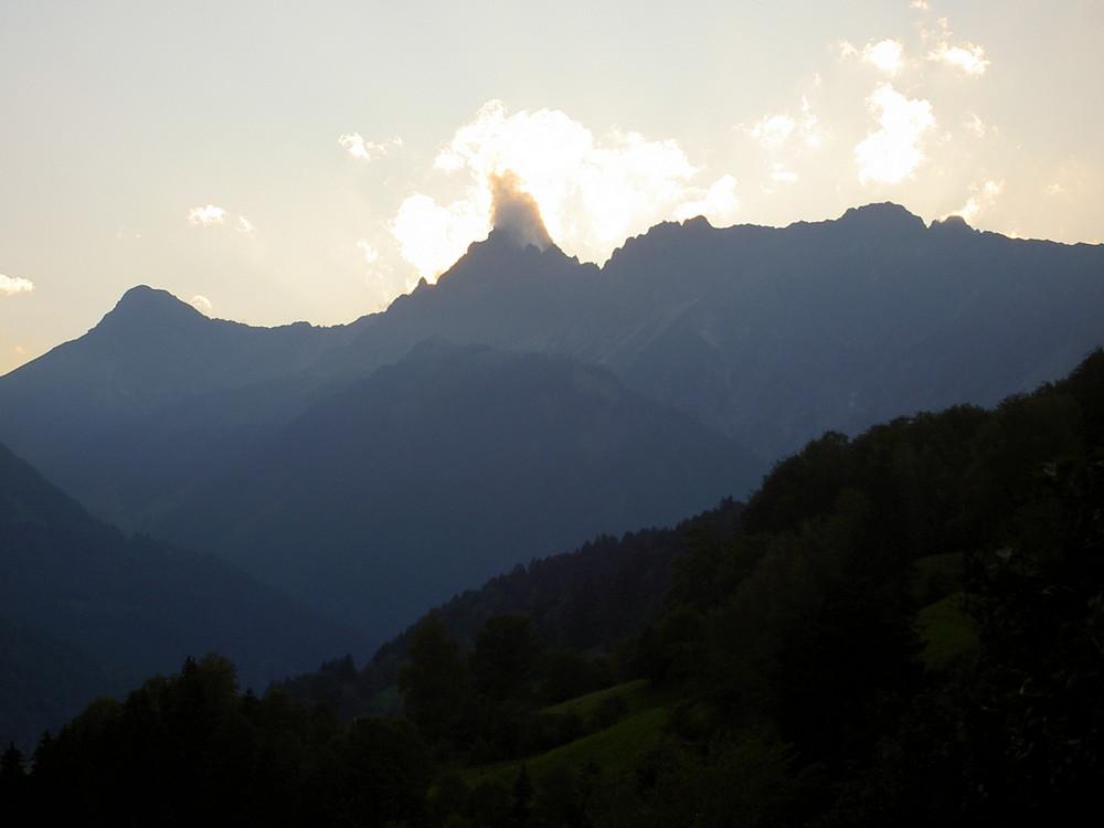 Berg + Wolke = Bild