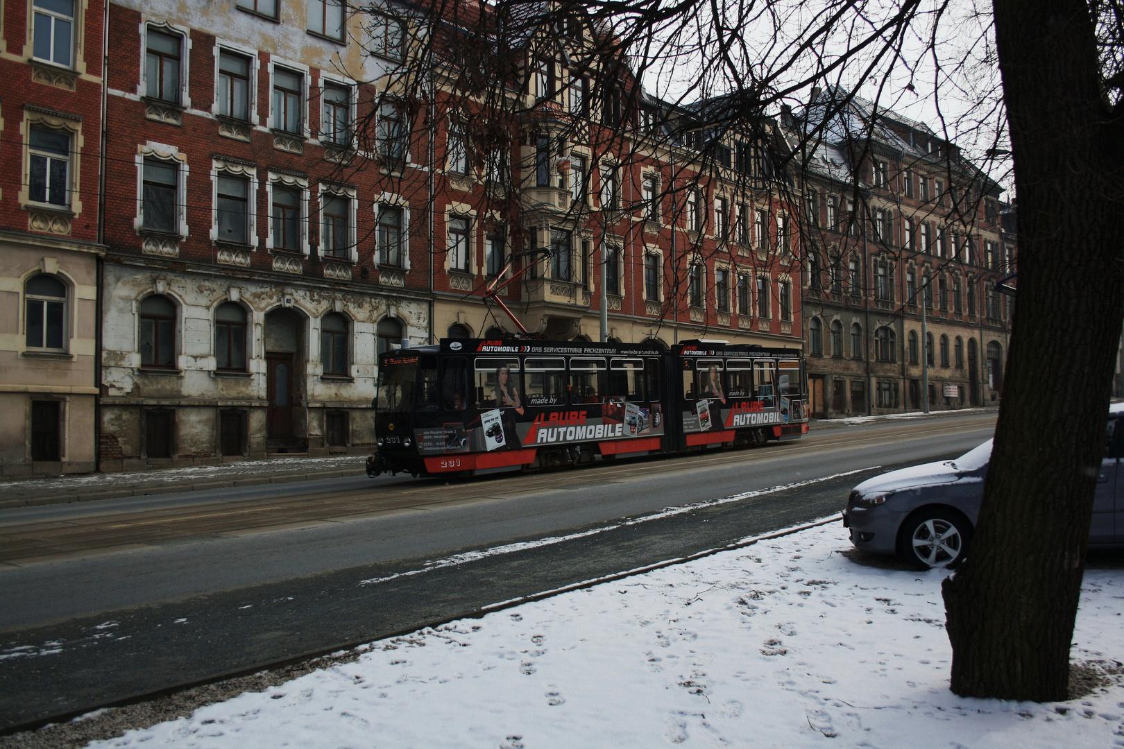 Bergab auf der Oelsnitzer Straße .