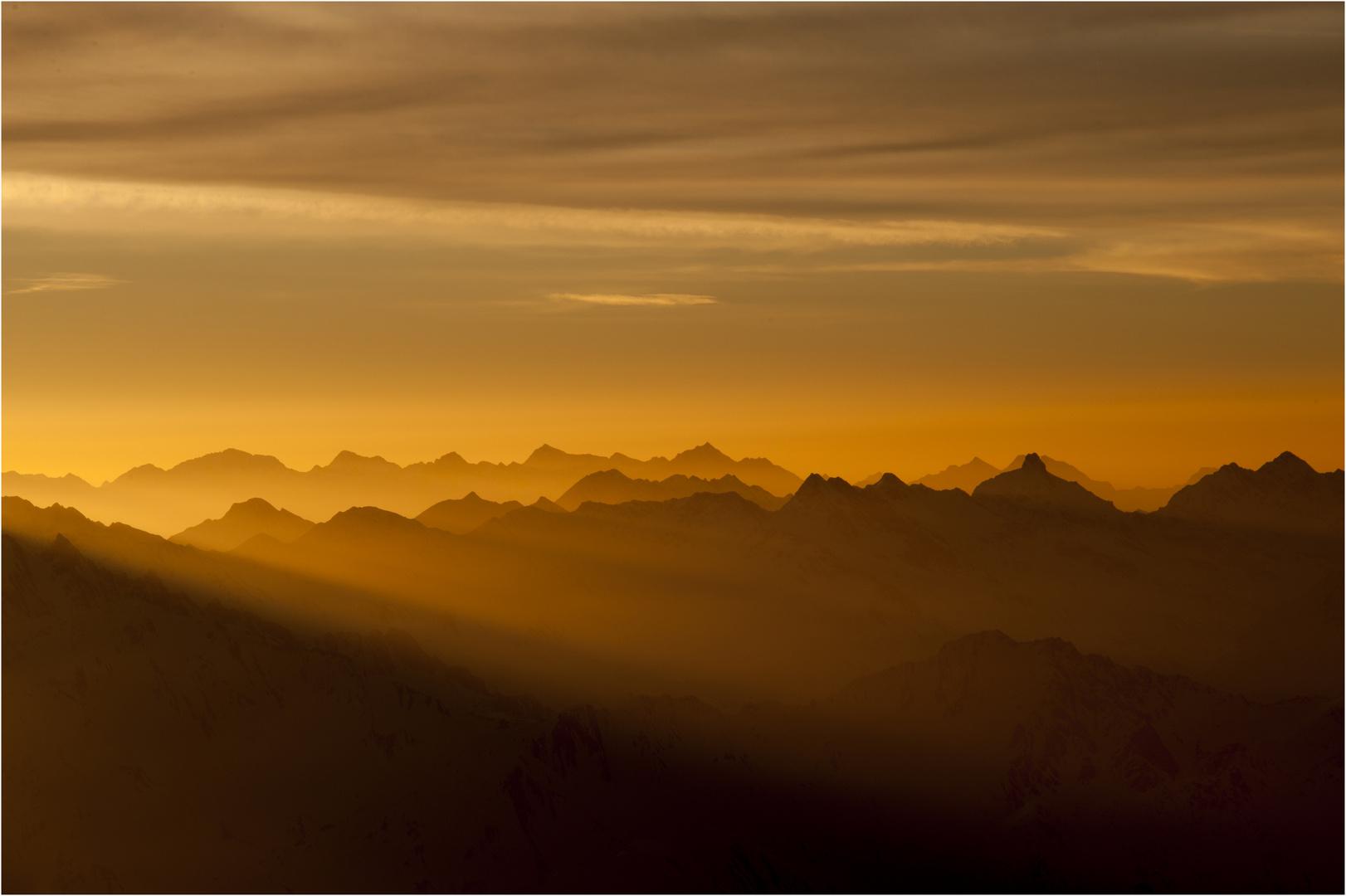 Berge im Morgendunst