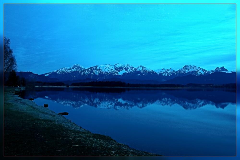 Berge im Wasser