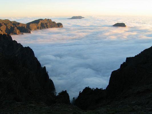 Berge im Wolkenmeer