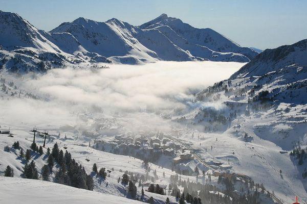 Berge, Schnee in Massen, Ski & Fun