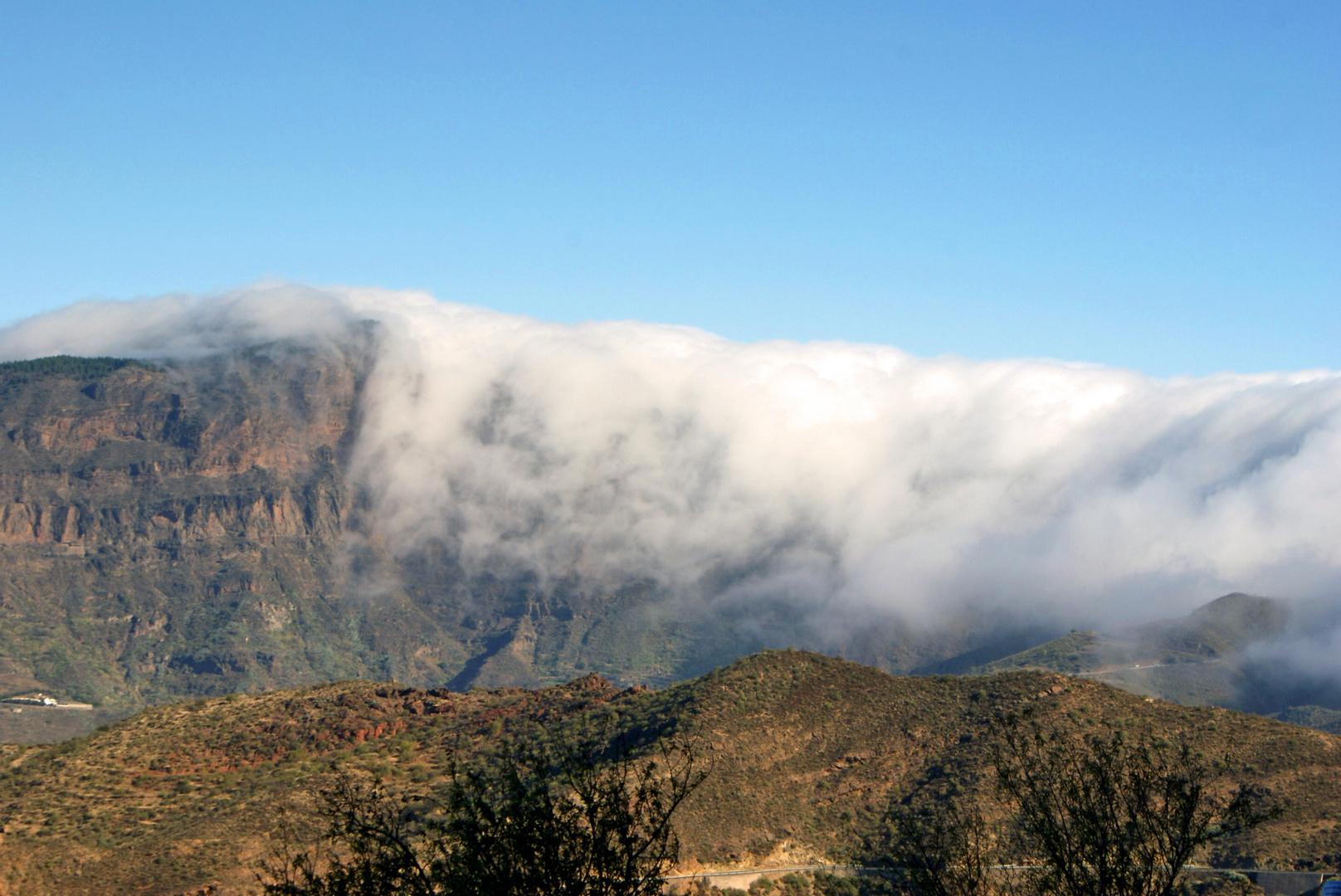 Bergen in Nebel