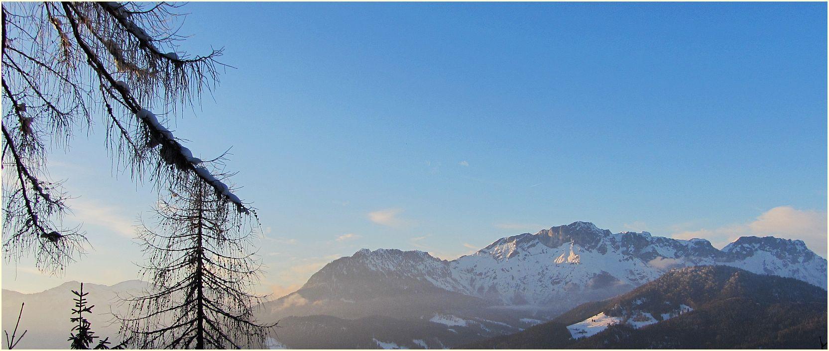 Bergkette über Berchtesgaden...