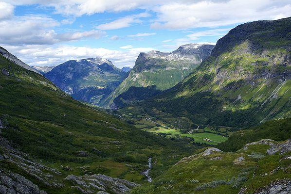 Bergpanorama oberhalb von Geiranger