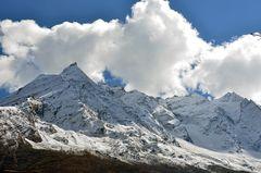 Bergpanorama von Shyala im Manaslu-Gebiet