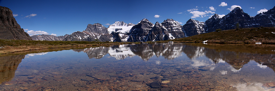 Bergsee (einer von vielen Seen in Kanada)