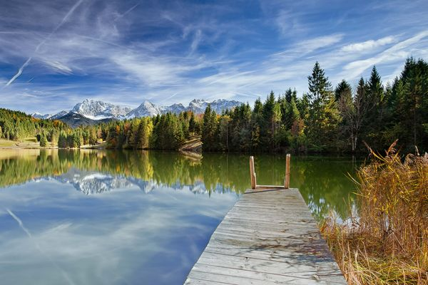 Bergsee mit Blick aufs Karwendel