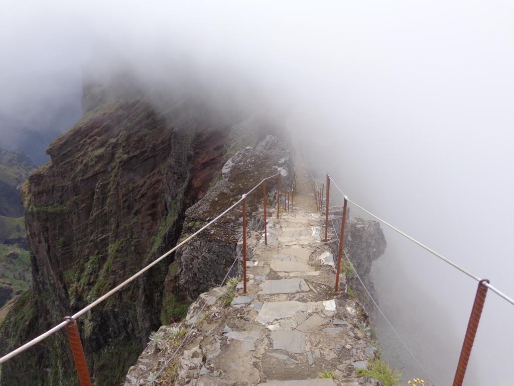 Bergwanderung vom Pico Areeiro zum Pico Ruivo (Madeira)