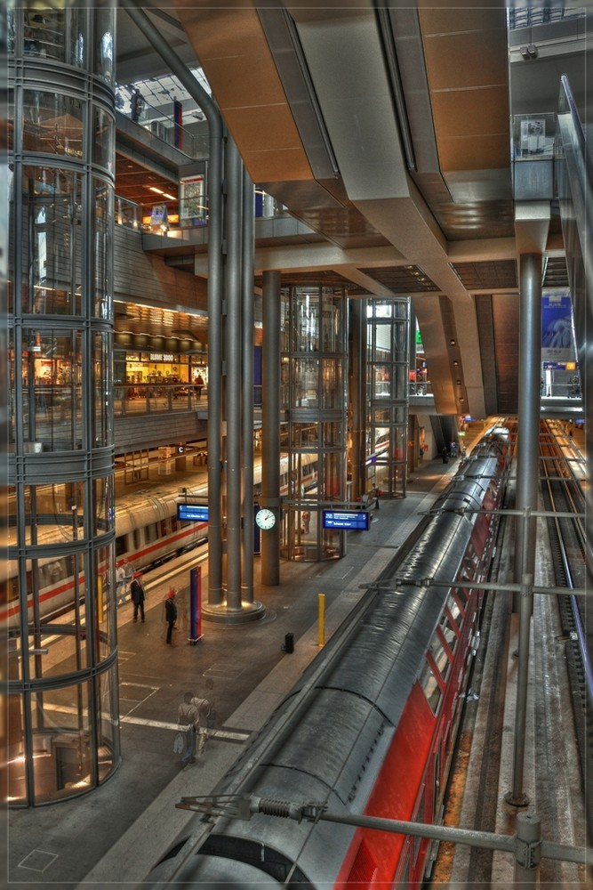Berlin Bahnhof - Innenleben -