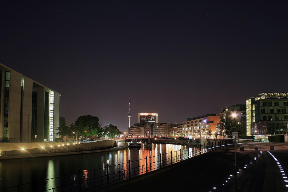 Berlin bei Nacht - Spreeufer II