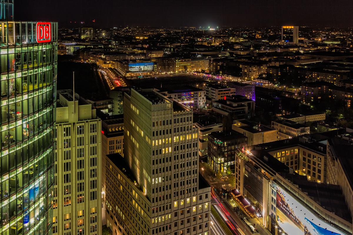 Berlin bei Nacht von oben