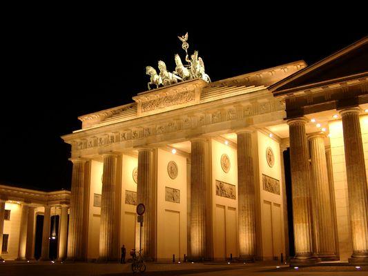 Berlin - Brandenburger Tor bei Nacht