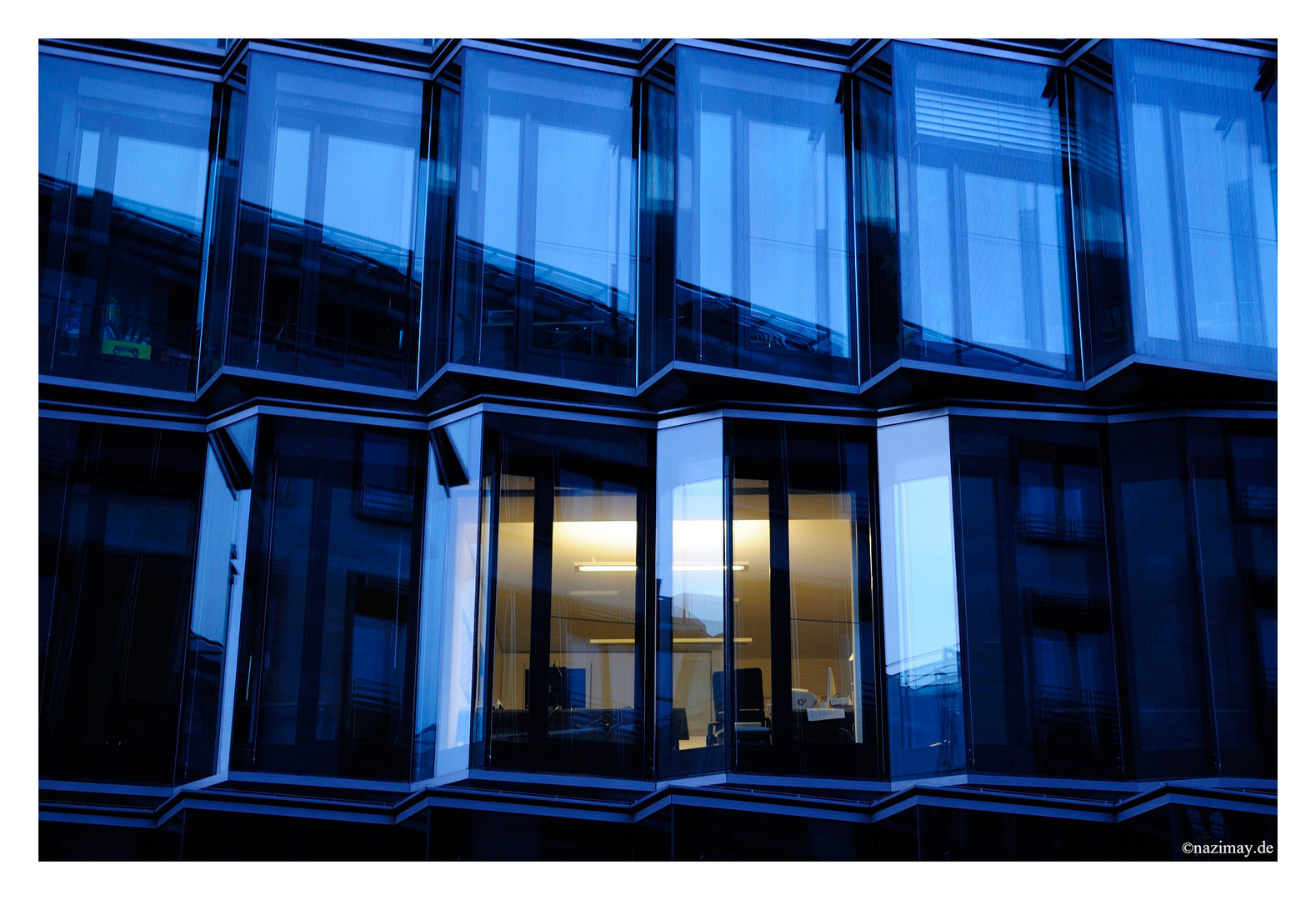 Berlin - Büros bei Nacht