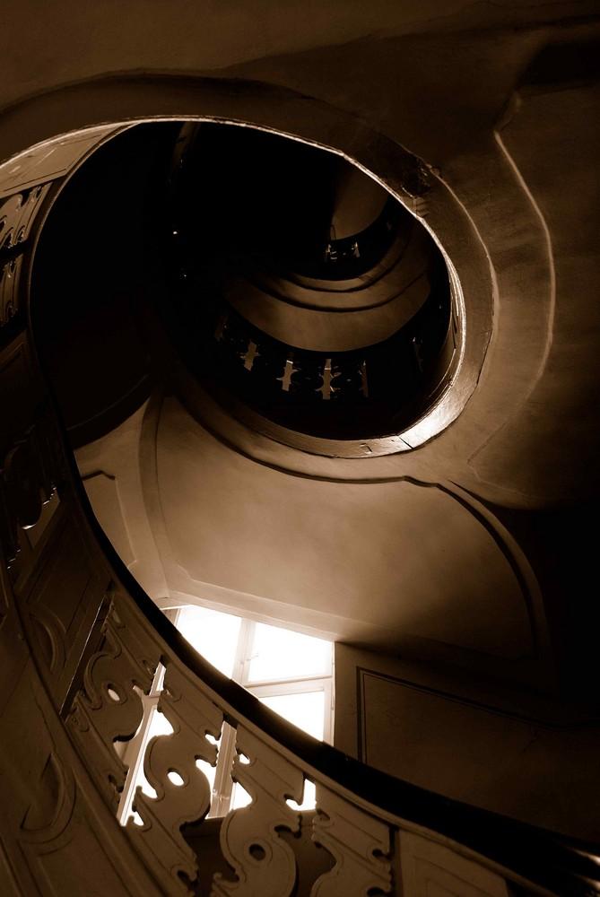 """BERLIN - eine Treppe """"schraubt"""" sich nach oben..."""