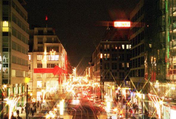 Berlin, Friedrichstraße in Weihnachtsbeleuchtung