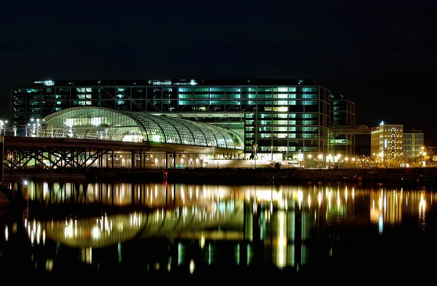 Berlin Hauptbahnhof des Nachts