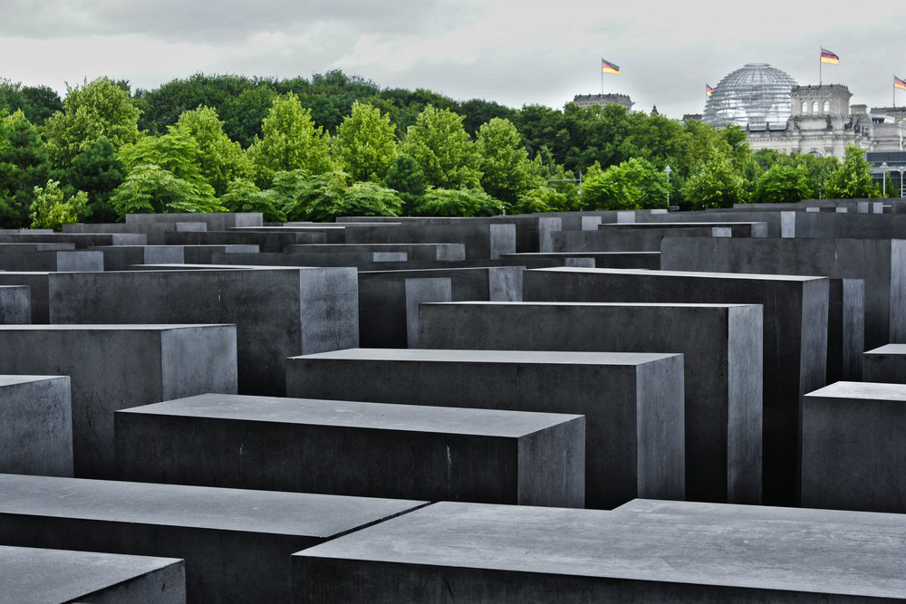 Berlin Reichstag und jüdisches Denkmal