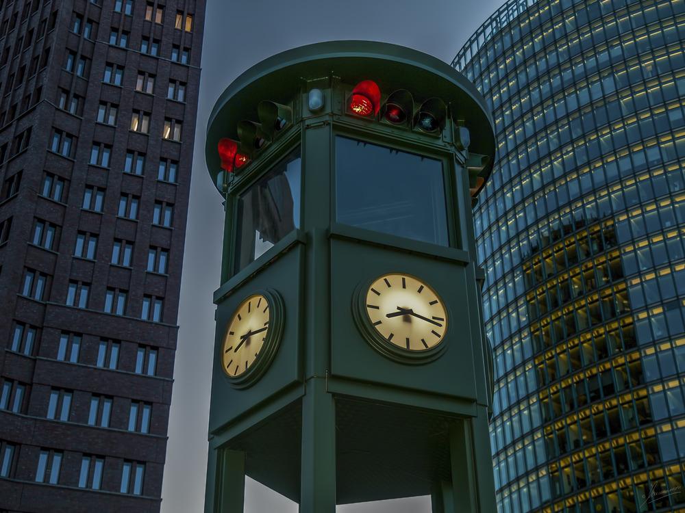 Berlin réplica semáforo más antiguo de Europa