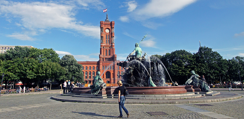 berlin rotes rathaus foto bild deutschland europe. Black Bedroom Furniture Sets. Home Design Ideas