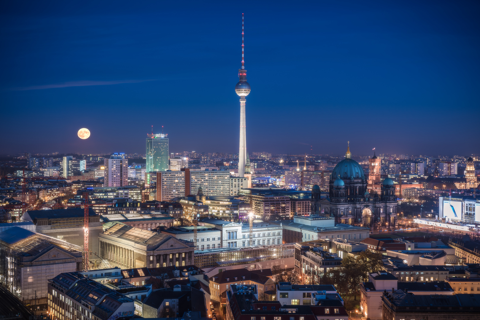 berlin skyline mit supermond foto bild city abend berlin bilder auf fotocommunity. Black Bedroom Furniture Sets. Home Design Ideas