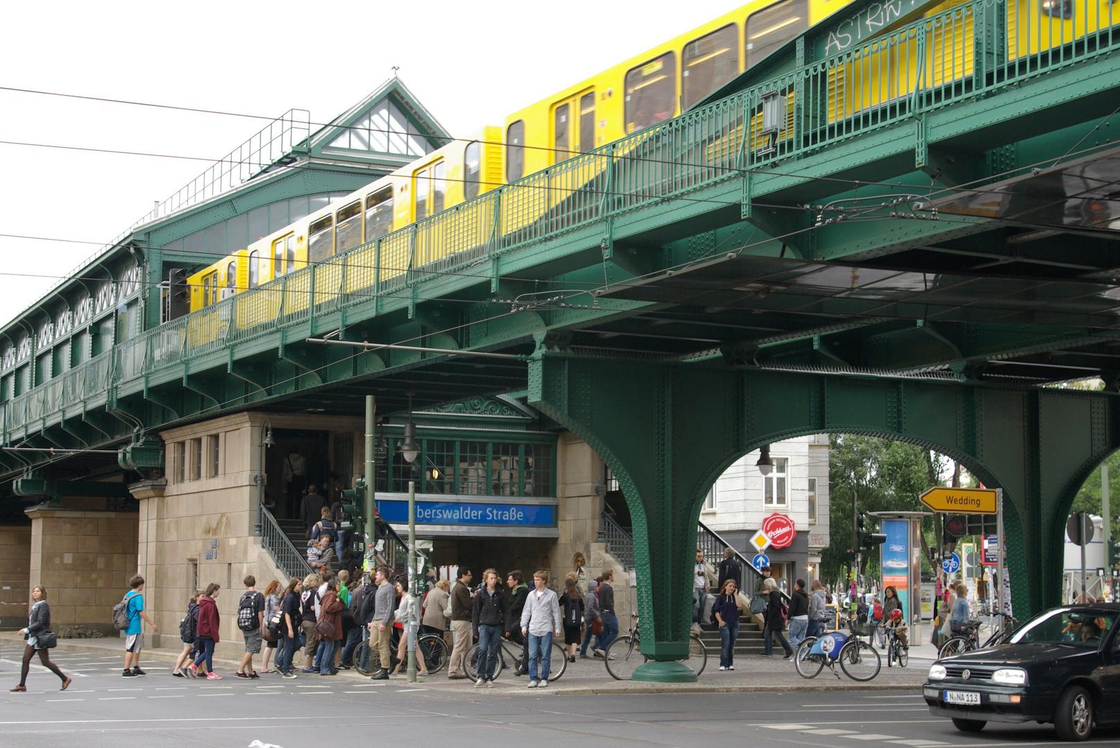 Berlin, U-Bahnhof Eberswalder Straße / Farbe