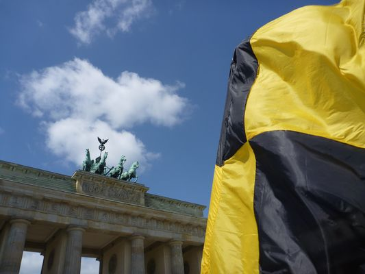 Berlin yellow black