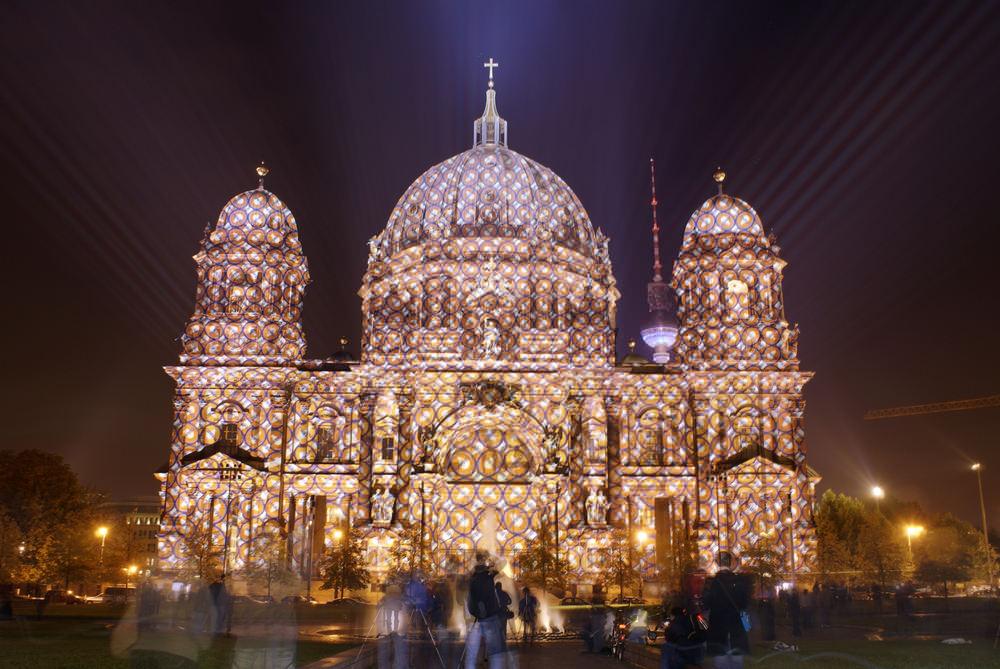 Berliner Dom beim Festival of Lights